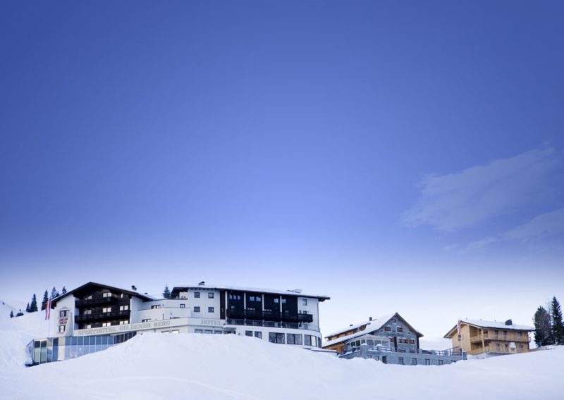 goldener_berg-hotel-ansicht_winter_aussen