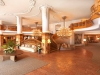 interalpen-hotel-tyrol-eingangshalle-freitreppe