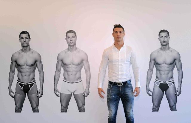 Christiano Ronaldo stellt sein neues Modelabel CR7 vor.