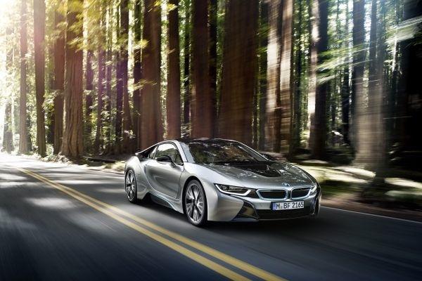Elektrisiert unterwegs im BMW i8