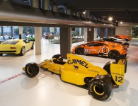 50 Jahre Miura Tour besucht das neue Lamborghini Museum