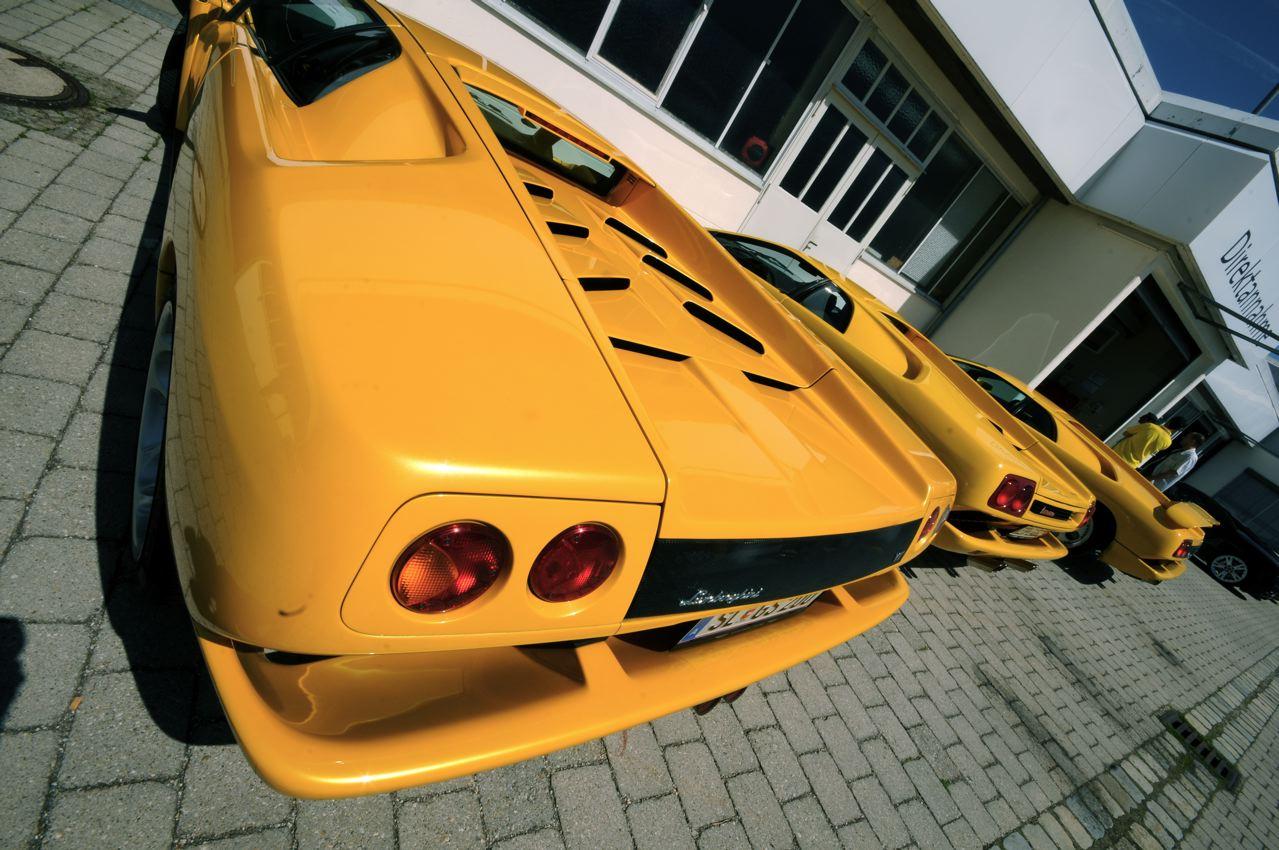 Gleich drei gelbe Lamborghini Diablo, das gibt es nur bei Schuttenbach Autoservice in Anzing bei München
