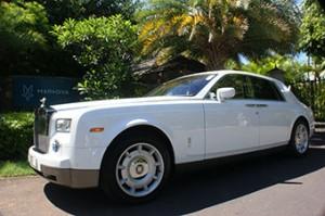 Meine Villa, mein Pool, mein … Rolls Royce!