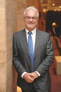 Global Brain Erfinder Dr. Wolfgang Pinegger