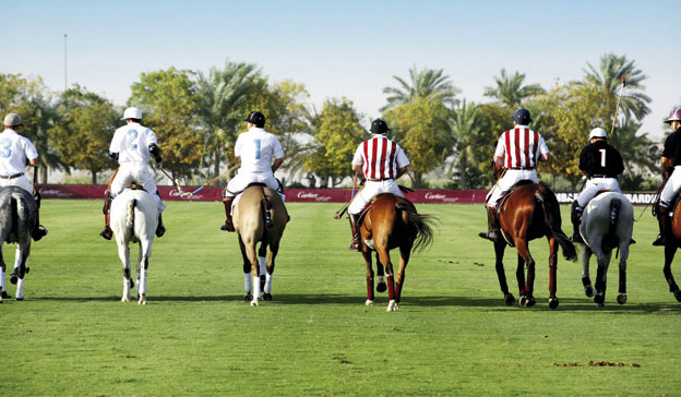 Sexy Back – Spieler im Desert Palm Polo Club Dubai