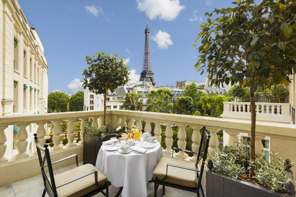 Shangri-La_Hotel_Paris_New_Garden_high